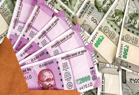 Govt Raises 1.10 Lakh Crore in Covid-Hit FY21 Against 77,052 Crore in FY20: Fundraising Via Public, Rights Issues Up 42%