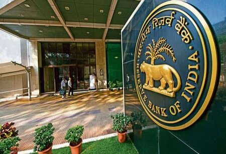 Private bank deposit share rises to 30.5 percent at the cost of PSBs: states RBI