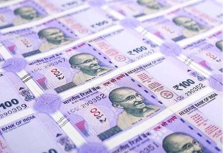 Indian currency drops by 18 paise to 73.53 against US dollar in early trade