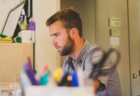 How to find and How to hire freelancers online